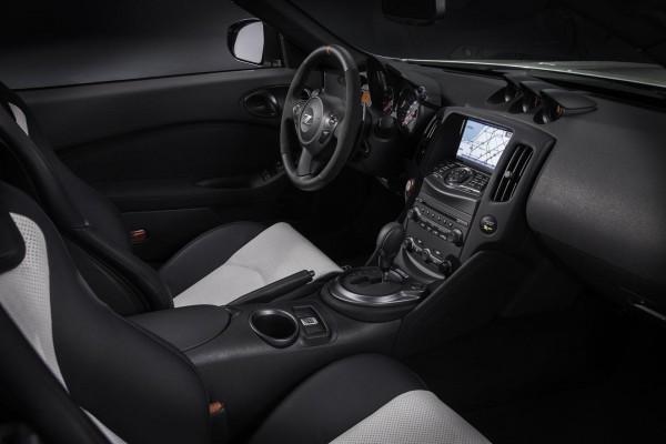 Nissan 370Z удиосистема Bose